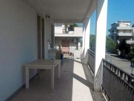 Trilocale con grande terrazzo, 50 m. dal mare Zona servita - PAOLA