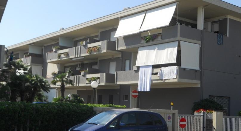 LAST  MINUTE 03/09 AL 10/09 - EURO 300 SERVIZIO SPIAGGIA INCLUSO - BILOCALE (4 POSTI), DIRETTAMENTE SUL MARE - ALEXIA